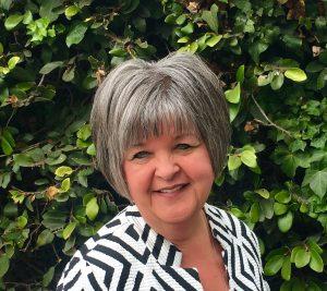 Linda Metchikoff-Hooker's headshot